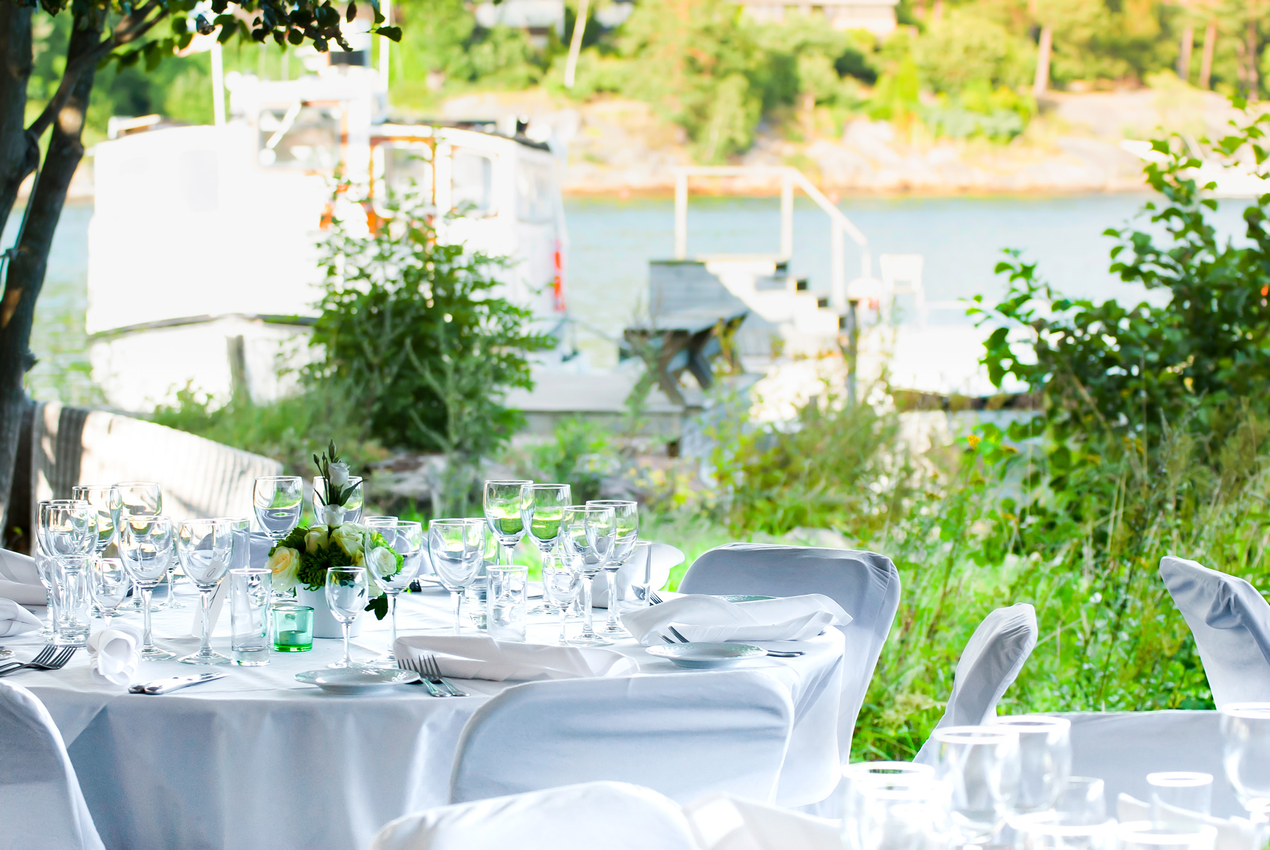 Bröllop på bryggan på Bockholmen